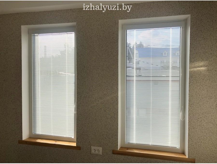 Жалюзи Исотра на два окна