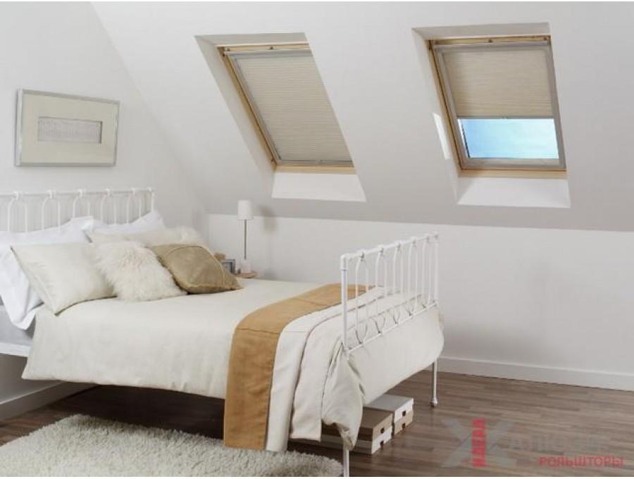 Рольшторы для мансардных окон в спальню №01