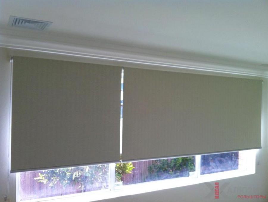 Свободновисящие рулонные шторы блэкаут